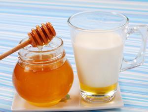молоко с медом при простуде рецепт